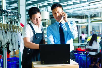servizio clienti in fabbrica cinese